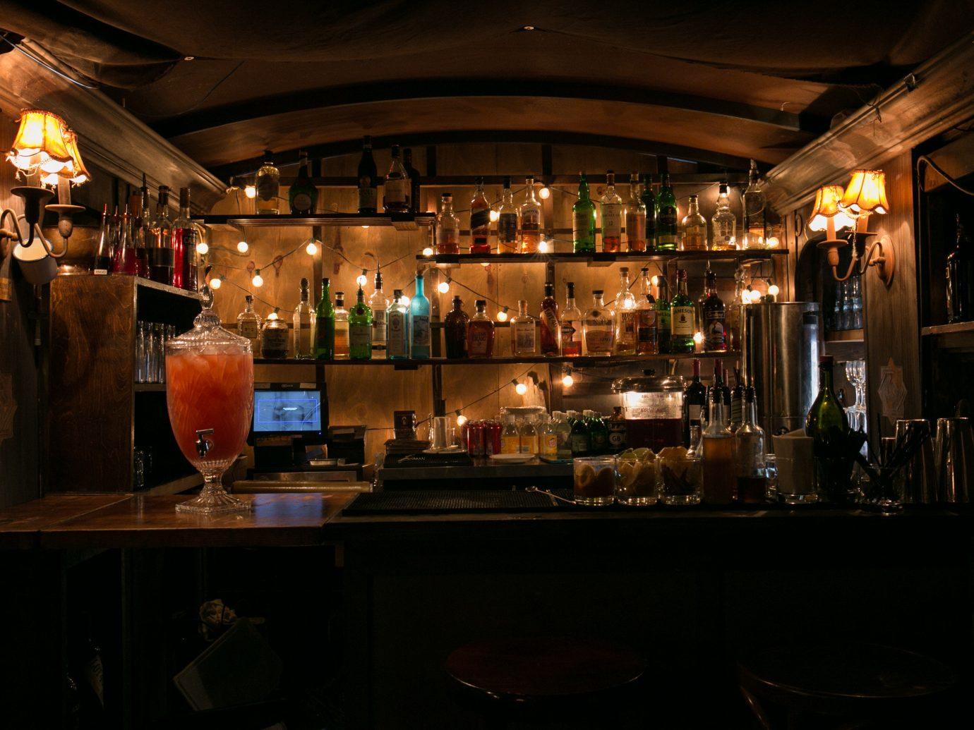 Food + Drink ceiling indoor Bar night restaurant meal several