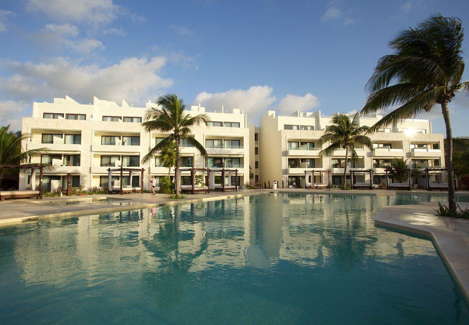sky water swimming pool Resort property condominium marina plaza palace dock arecales shore day