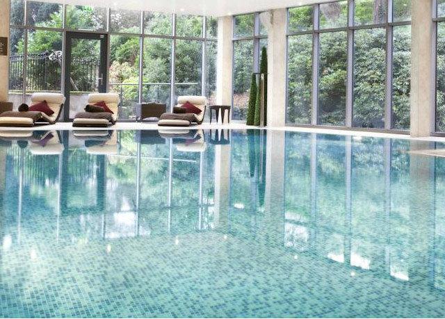 building swimming pool property condominium backyard Resort