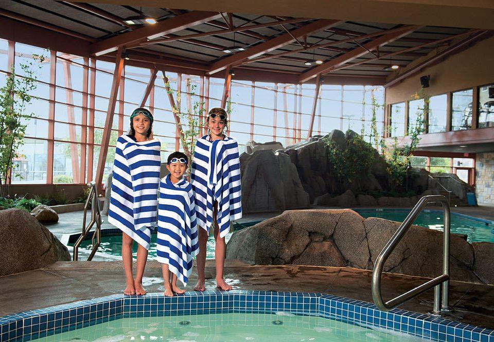leisure swimming pool building backyard Resort home
