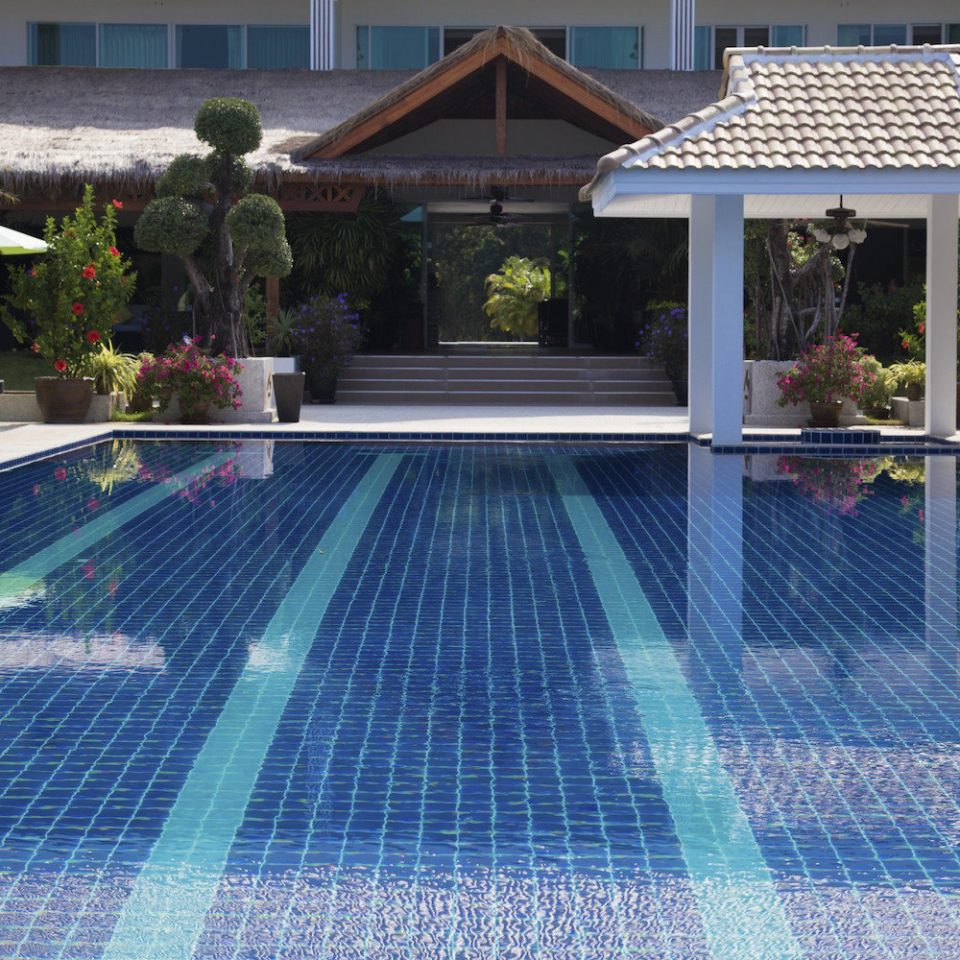 swimming pool property leisure court backyard reflecting pool outdoor structure Resort mansion net