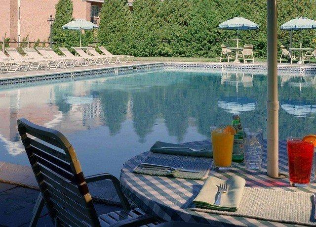 swimming pool leisure property Resort dock backyard