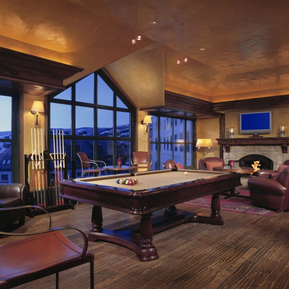 recreation room billiard room property living room Resort basement