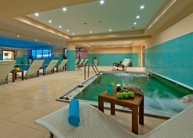 swimming pool property leisure green leisure centre billiard room recreation room Resort yacht blue