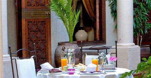 restaurant home Resort brunch cluttered dining table
