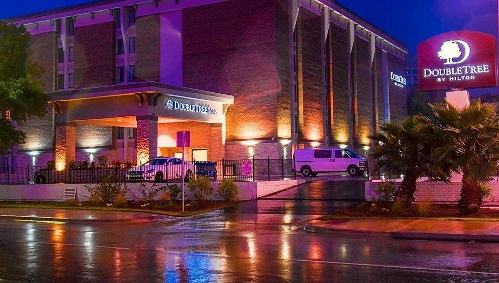 building street night plaza nightclub Resort convention center rain rainy