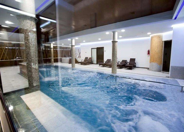 swimming pool building property leisure centre Resort jacuzzi thermae
