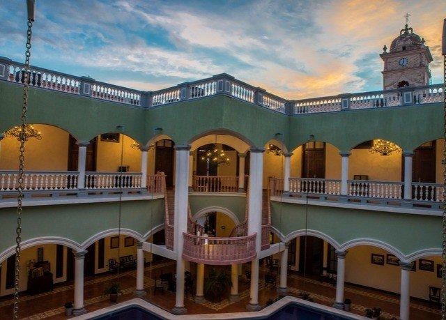 building palace Resort plaza