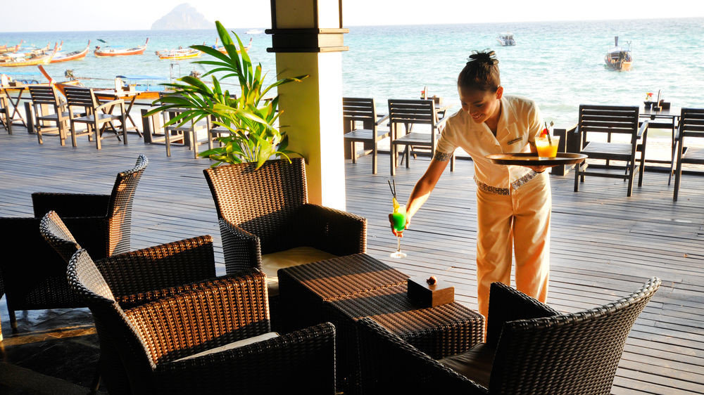 water sky ground leisure chair Resort sitting walkway