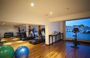 property structure sport venue condominium living room Resort physical fitness hard flat