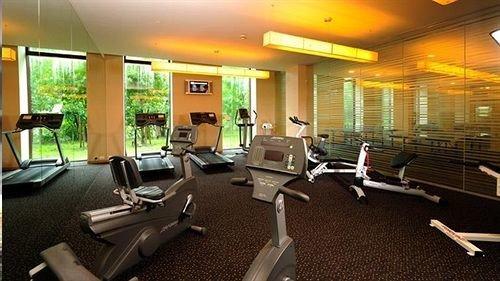 condominium structure property sport venue recreation room gym living room Resort