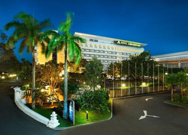 sky condominium plaza Resort shopping mall highway