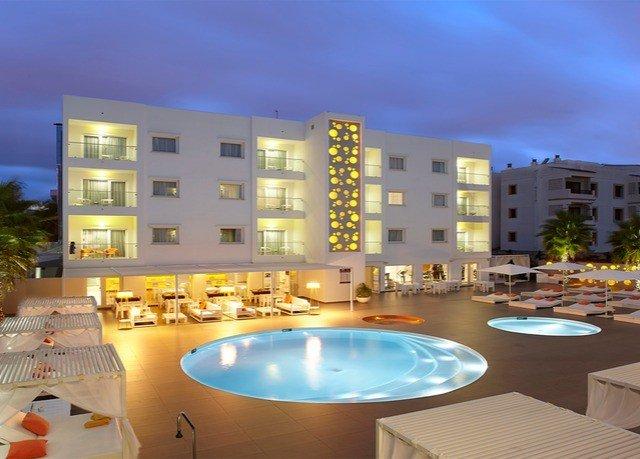 sky condominium property swimming pool home lighting Resort