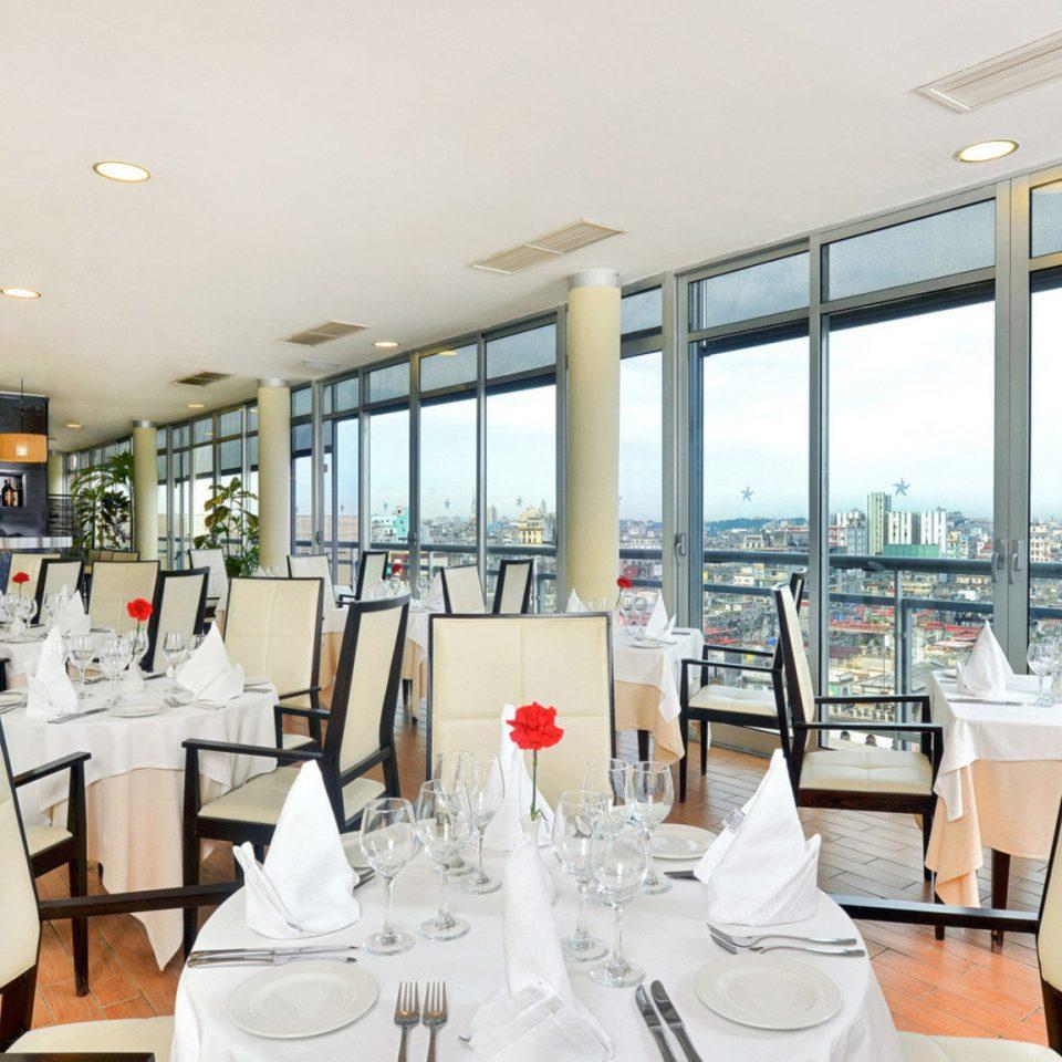 property restaurant condominium home Resort living room