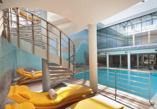 property swimming pool condominium leisure centre Resort