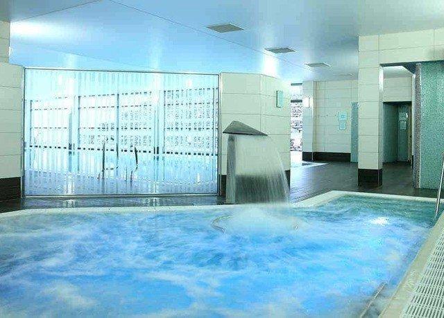 swimming pool property condominium leisure centre Resort