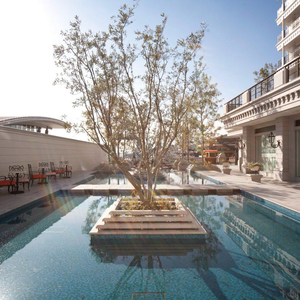 sky swimming pool property condominium plaza Resort waterway palace way road