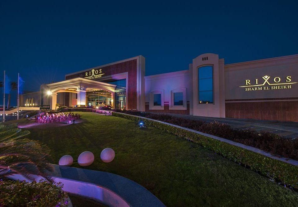 grass sky night Resort convention center screenshot sign