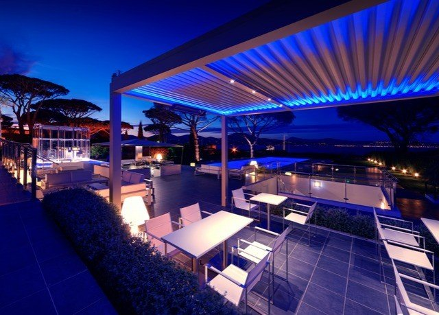 convention center Resort nightclub yacht swimming pool