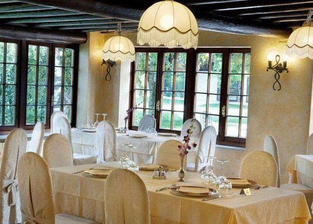 restaurant property function hall Resort living room dining table