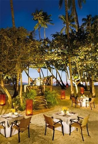 tree leisure Resort restaurant hacienda set dining table