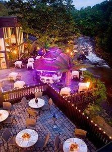 Resort dining table