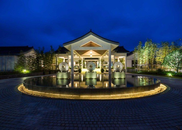 landmark mansion palace landscape lighting lighting plaza water feature Resort fountain