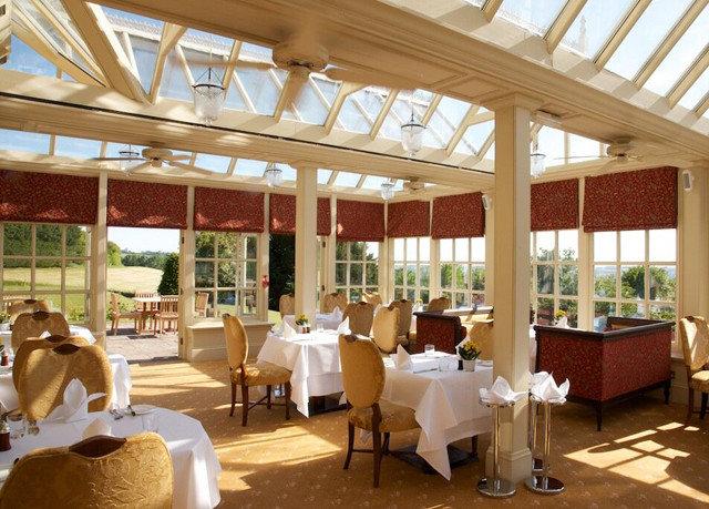 Resort restaurant function hall outdoor structure