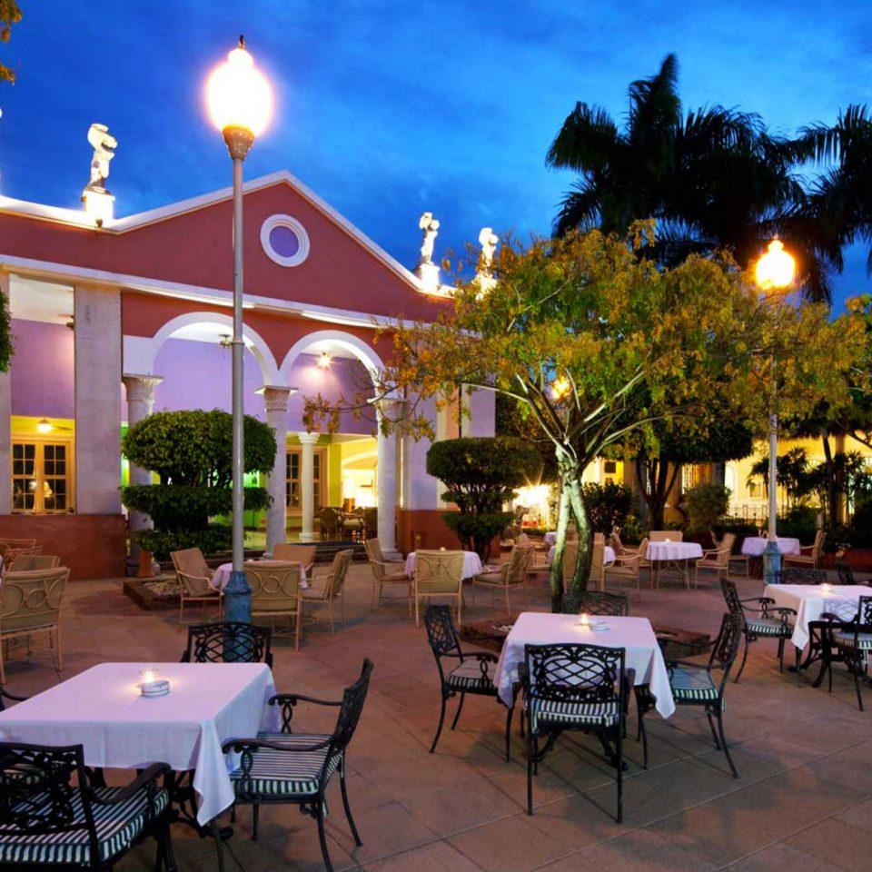 tree Resort restaurant plaza hacienda