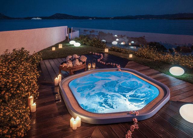 swimming pool jacuzzi Resort