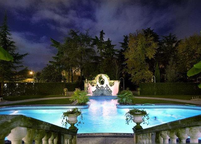 tree swimming pool Resort mansion screenshot water feature landscape lighting