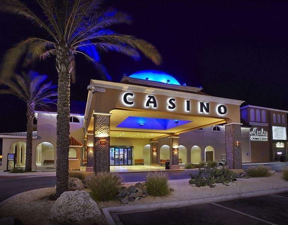 night Resort restaurant lighting