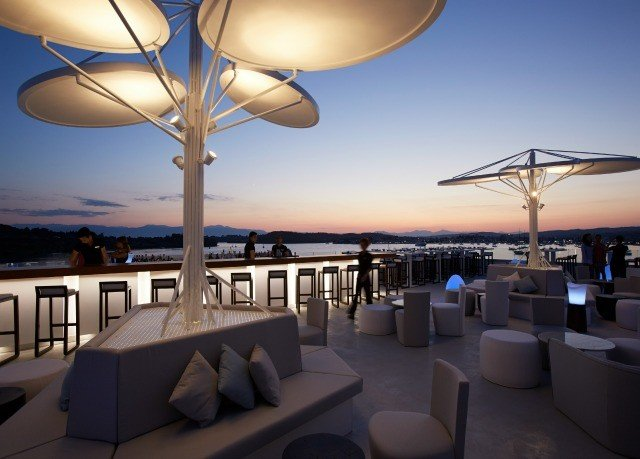 sky vehicle Resort yacht lighting restaurant