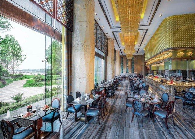 property restaurant wooden plaza Resort