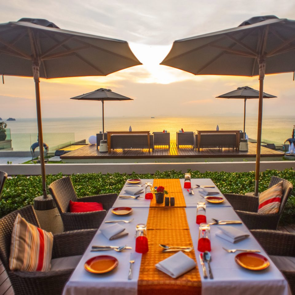 umbrella Resort restaurant set yacht