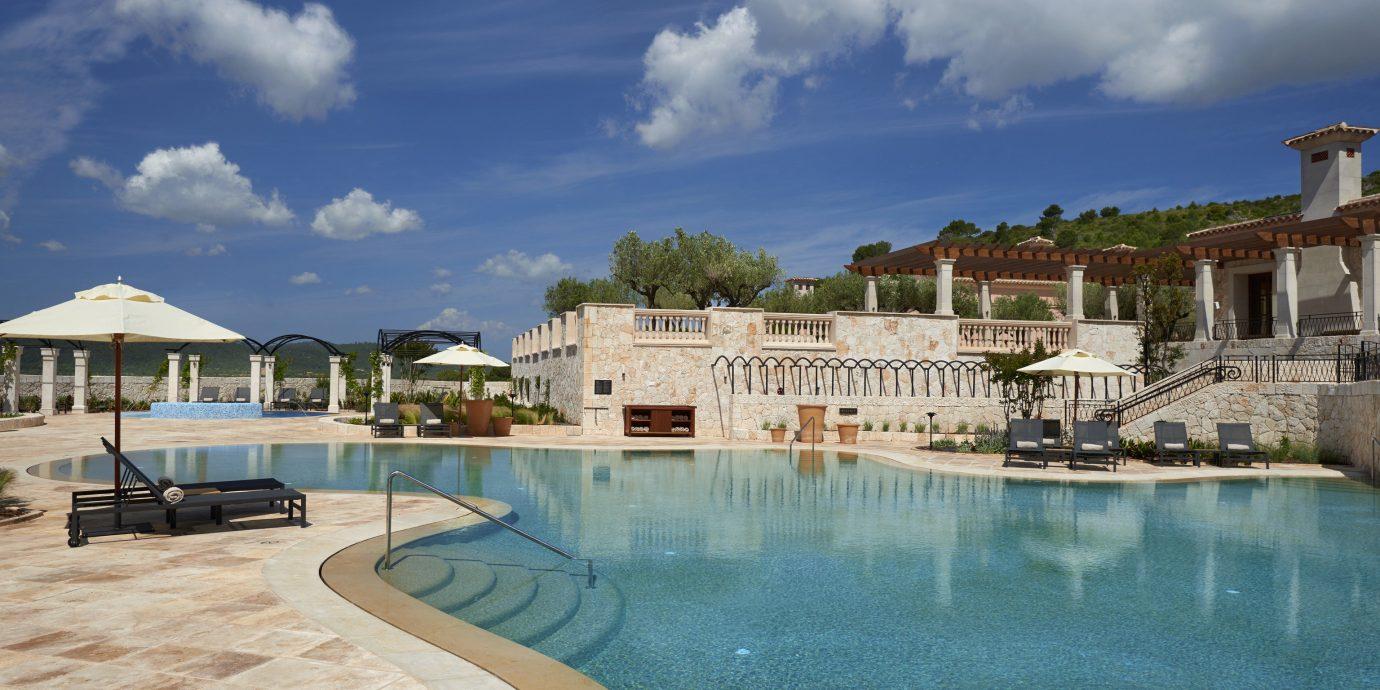 sky property swimming pool Town Resort Sea mansion Villa palace shore day