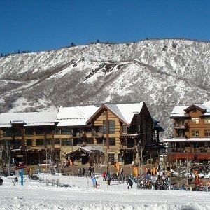 snow sky mountain Resort Town piste weather geological phenomenon Winter ski equipment mountain range Ski Village panorama skiing