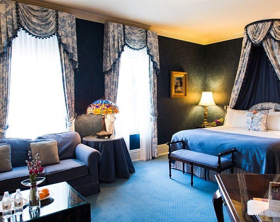 sofa property Suite living room home cottage Resort blue