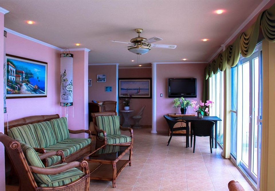 property living room home green condominium cottage Resort Suite recreation room colored