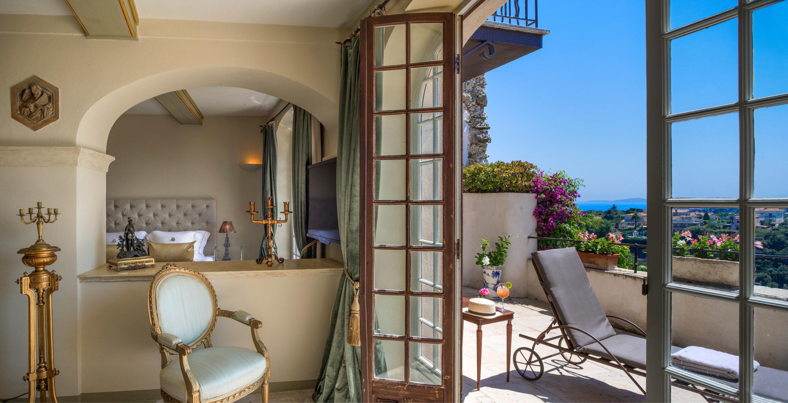 Trip Ideas property house home building Villa mansion condominium cottage living room hacienda Suite Resort