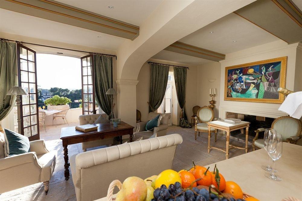 property living room Villa Resort home Suite cottage condominium arranged