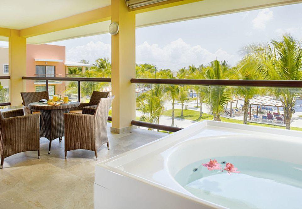 property swimming pool home Villa condominium Resort Suite bathtub overlooking
