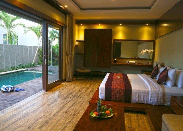 property recreation room Resort Suite billiard room condominium swimming pool Villa cottage