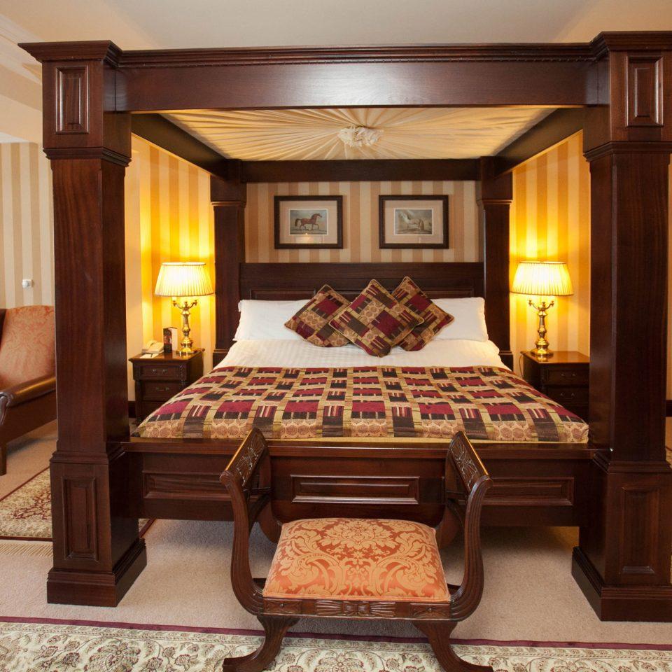 property recreation room Suite billiard room living room mansion Resort home Villa cottage