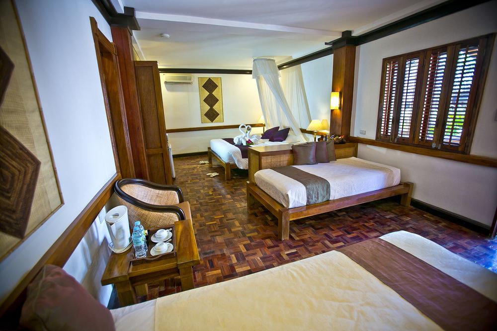 property building house Suite living room Villa home cottage Resort condominium mansion