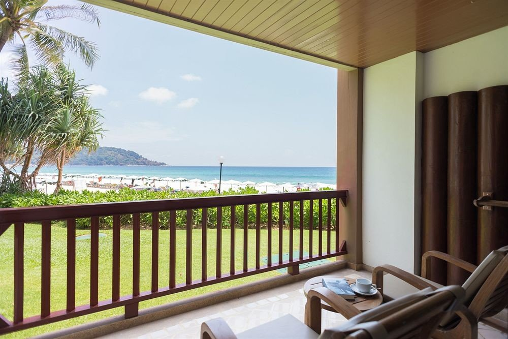 property building Villa Resort condominium cottage home Suite swimming pool porch overlooking