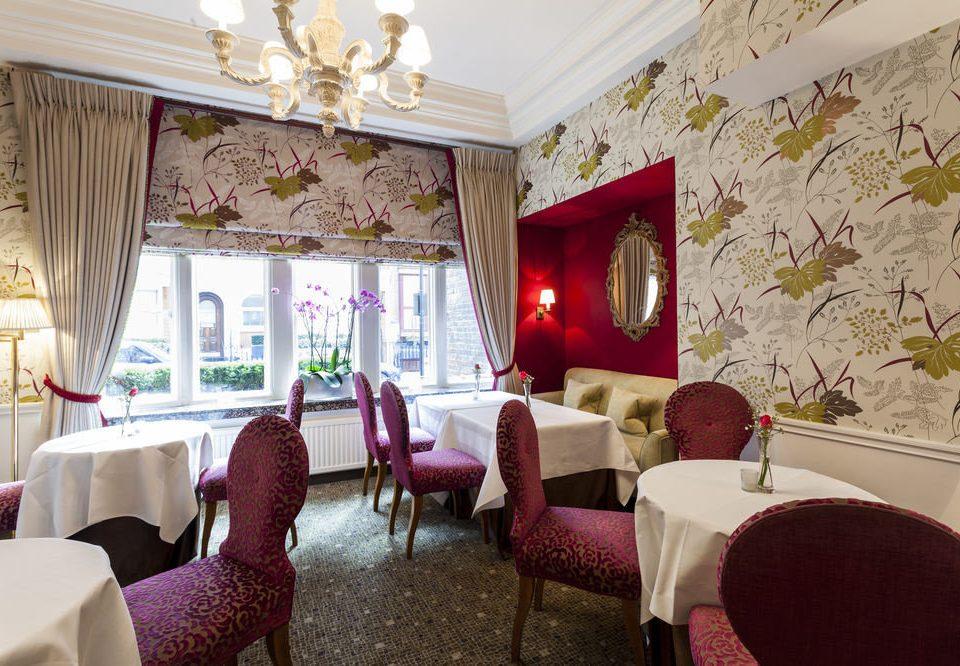 chair property Suite living room home Resort restaurant cottage Villa