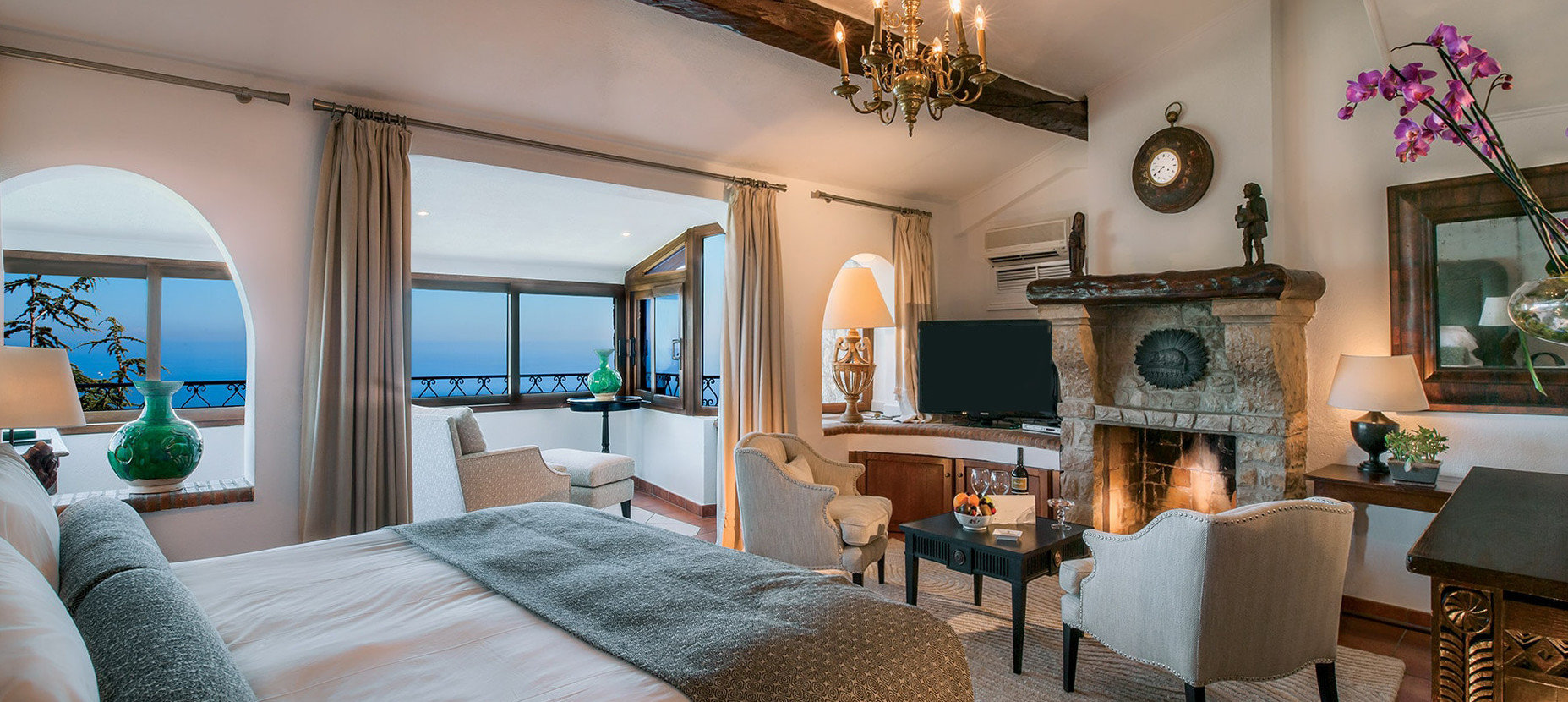 chair property living room home Villa cottage mansion Suite condominium farmhouse Resort