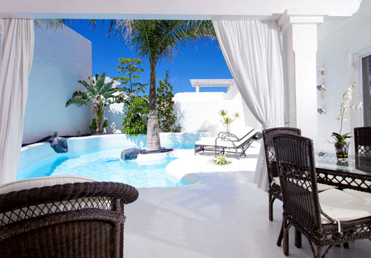 chair property curtain swimming pool condominium Villa home cottage Resort Suite