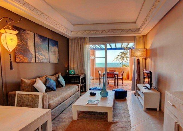 property Suite Resort Villa cottage home condominium living room